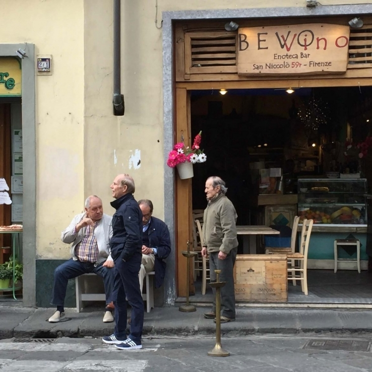 The San Nicolo neighborhood is still very authentic and only minutes walking from Ponte Vecchio.