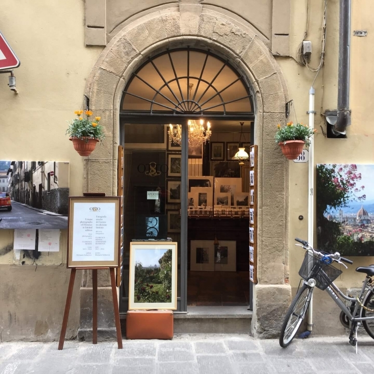 The San Nicolo neighborhood offers many authentic little stores, artists, excellent restaurants, ice cream stores and cute cafes.