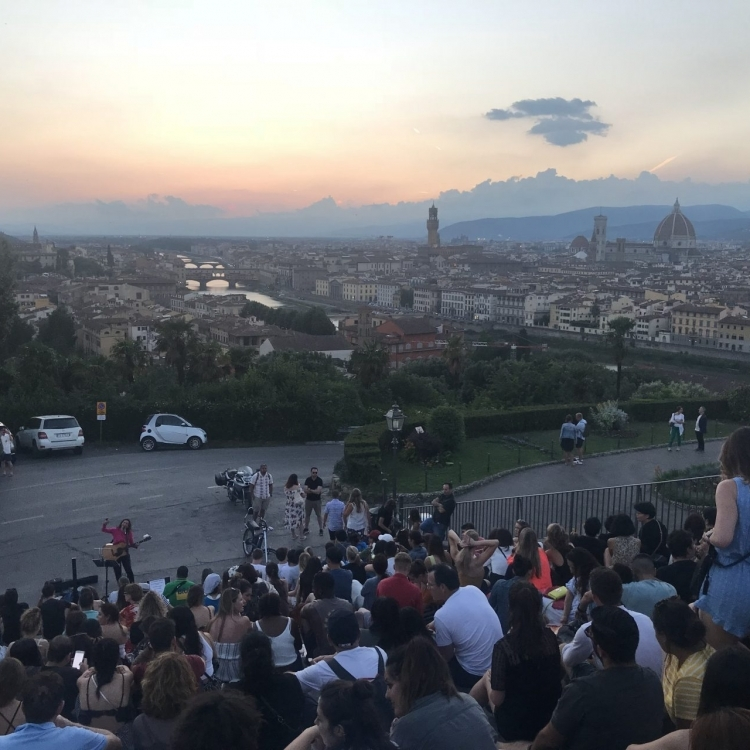 Sunset on the stairs of Piazzale Michelangelo