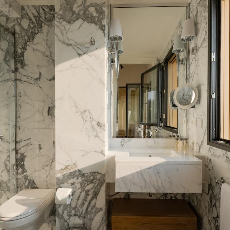 En Suite Bathroom Master Suite